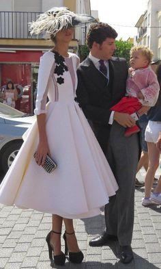Doce tocados de fiesta para enamorarse este otoño - Foto 10 Beautiful Dresses, Nice Dresses, Derby Attire, Race Wear, Wedding Guest Looks, Party Fashion, Style Fashion, Modest Outfits, Marie