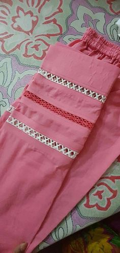 Kurti Sleeves Design, Sleeves Designs For Dresses, Kurta Neck Design, Sleeve Designs, Pakistani Fashion Casual, Pakistani Dresses Casual, Pakistani Dress Design, Pakistani Bridal, Indian Dresses