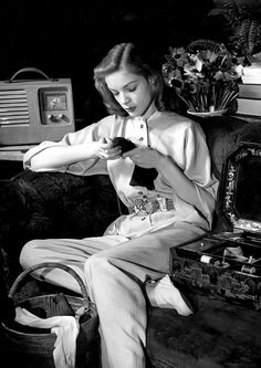 Lauren Bacall, photographed by Louise Dahl-Wolfe (1942).
