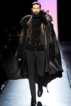 Jean Paul Gaultier Fall 2011 Couture Fashion Show - Benjamin Dukhan (PARALLELE)