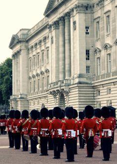 Buckingham Palace Photograph 5x7  London Travel by heyoldfriend, $12.00