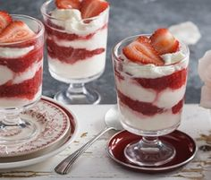 Creamy White Chocolate Berry Parfaits: A pink and white layered parfait that not only looks pretty, but tastes a treat too. http://www.bakers-corner.com.auhttps://www.bakers-corner.com.au/recipes/desserts/creamy-white-chocolate-berry-parfaits/