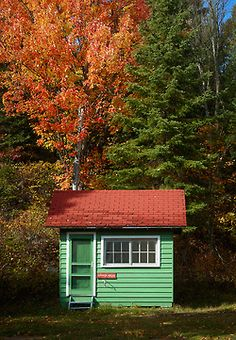 Cottage in Algonquin Park, Ontario, Canada.  Photo by Mike Last.  This park is one of John and Aya's favorites