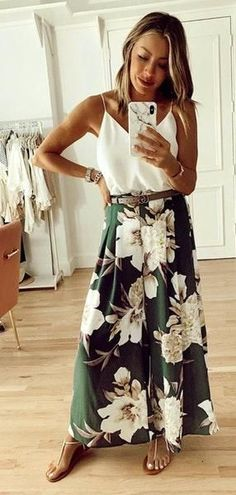 white and green floral dress weißes und grünes Blumenkleid Look Fashion, Fashion Outfits, Womens Fashion, Fashion Ideas, Fashion Quotes, Cheap Fashion, French Fashion, Street Fashion, Fashion Tips