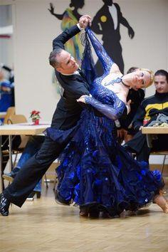 Hervorragende Platzierungen für Kremser Tanzsportpaare Sport, Victorian, Dresses, Fashion, Deporte, Vestidos, Moda, Sports, Fasion