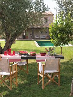 Décor de Provence: The Great Outdoors...