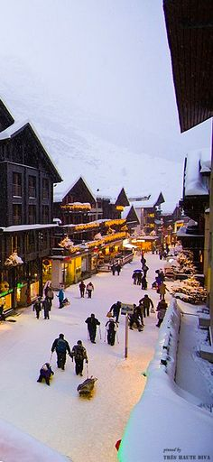 Incredible Travel Products You Didn't Know You Needed Zermatt, Switzerland ❆ Ski Party at the Chalet ❆