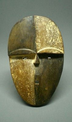 Africa | Aduma mask from Gabon | Wood and pigment