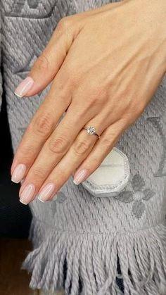 1 Carat Engagement Rings, Cute Engagement Rings, Wedding Engagement, Wedding Rings Simple, Simple Elegant Engagement Rings, Look Kylie Jenner, Cushion Cut Diamonds, Ring Verlobung, Wedding Nails