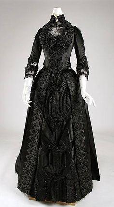 Mourning dress, American, ca. 1887.  Metropolitan Museum of Art
