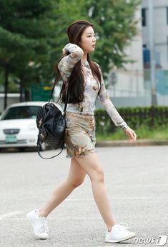 Fashion Idol, Fashion Tag, Kpop Fashion, Daily Fashion, Girl Fashion, Kpop Girl Groups, Korean Girl Groups, Kpop Girls, Kpop Outfits