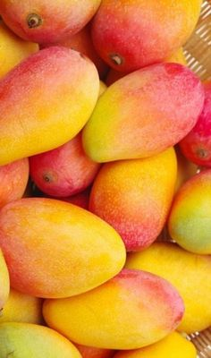 Fruits And Vegetables Pictures, Vegetable Pictures, Fruits Photos, Fresh Fruits And Vegetables, Fruit And Veg, Colorful Fruit, Tropical Fruits, Fruit Plants, Fruit Trees
