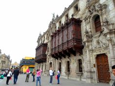 Balcones de Madera del Arzobispado de Lima, Perú - Guitarra Viajera