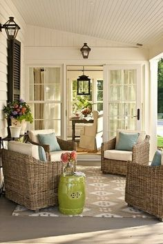 Wicker furniture with washable cushion covers