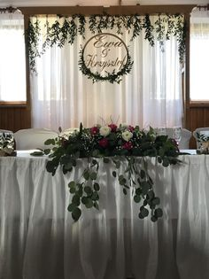 Wedding venue decorations - Destination Wedding Event Planning Ideas and Tips – Wedding venue decorations Head Table Wedding Decorations, Head Table Backdrop, Wedding Table, Wedding Backdrops, Wedding Favors, Wedding Prep, Wedding Events, Wedding Planning, Destination Wedding