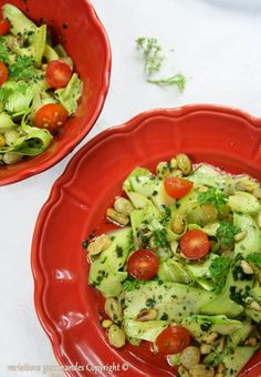 Une salade de courgettes crues, rafraîchissante et particulièrement agréable en plein été !  Mais attention, cette salade ne support...
