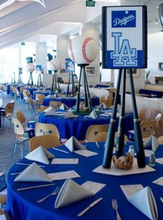 Baseball paty Centerpieces-this one is especially cool because of the LA dodgers theme!