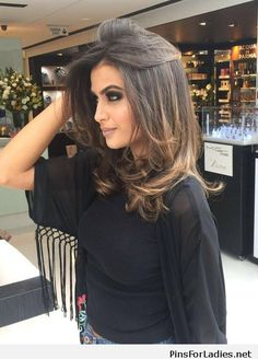 Amazing hair and black blouse | Pins for Ladies