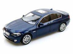 2010 BMW 550i Tiefseeblau 4 Doors 1/18 Dark Blue (diecasthobbyusa.com)