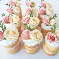 Mini naked wedding cakes in summer colors