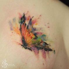 무지개를 품은 나비 rainbow butterfly(copy) #butterfly #tattoo #타투 #타투이스트실로 #아낙림 #watercolorbutterfly #watercolor #watercolortattoo #나비타투 #나비