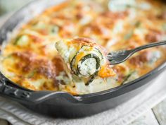 Zucchini roll casserole with ricotta and basil cream – Kochen – Diät A Food, Good Food, Food And Drink, Yummy Food, Low Carb Recipes, Cooking Recipes, Healthy Recipes, Healthy Food, Go Veggie