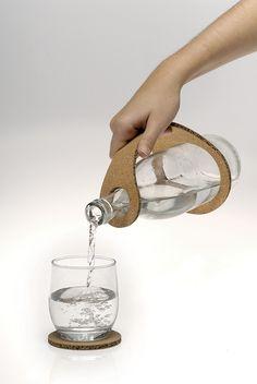 ¿No os parece genial? Un asa perfecto para evitar que se resbale la botella. #corcho