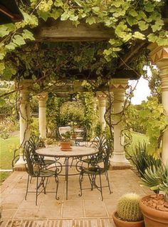 Spanish Pergola, George Washington Smith Robledal Santa Barbara