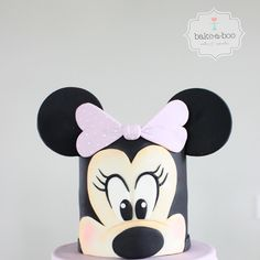 If a Disney theme is on tap for your kiddo's next birthday, a special cake is essential. Whether you're delving in and doing it all on your own or need Disney Birthday, Disney Theme, Girl Birthday, Birthday Cake, Bake A Boo, Enchanted Rose, Minnie Mouse Cake, Character Cakes, Mini Mouse