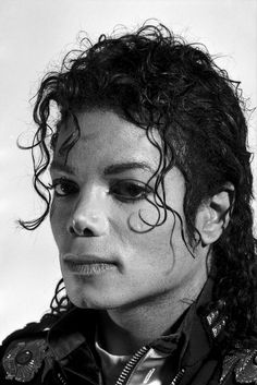Photos Of Michael Jackson, Michael Jackson Bad Era, Jackson 5, Jackie Jackson, Michael Jackson Drawings, Michael Jackson Thriller, Jackson Family, Gottfried Helnwein, Photography Words