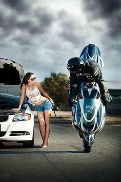 A good biker always stops to help someone in distress. Biker Chick, Biker Girl, Ducati, Yamaha, Harley Davidson, Auto Girls, Hot Bikes, Super Bikes, Street Bikes