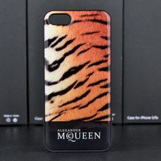 Get graphic with this protective Alexander McQueen iphone 5s case that dresses your iPhone 5S in colorful signature style. Cover your phone in cool with a logo-print case with pixelated text. From Alexander McQueen.