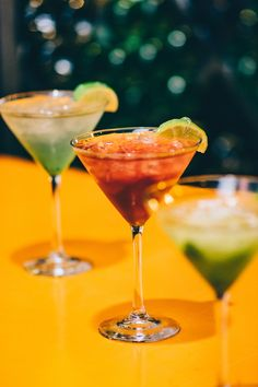 It may take a while for the wedding party to arrive in the restaurant or hall, so we recommend aperitif to the wedding menu. Mezcal Cocktails, Top 10 Cocktails, Refreshing Cocktails, Craft Cocktails, Summer Drinks, Cocktail Images, Cocktail Pictures, Sierra Tequila, White Russian Recipes