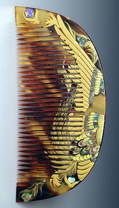 Kushi (Comb)  - Bird's Wing or Feathered hair Comb. Carved and Maki-e Lacquered Tortoiseshell with Mother-of-Pearl Inlays. Edo Period (1700-1867). Japan