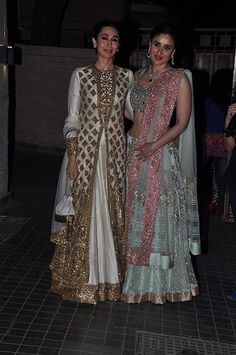 Kapoor sisters opted for Manish Malhotra's creations for the reception...