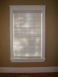 Window Trim Ideas - A building must have the doors and the windows, those two items are functional. It is not a building when there is no door or window. Craftsman Window Trim, Interior Window Trim, Molding Around Windows, Window Casing, Window Moulding, Crown Molding, Window Trims, Dining Room Paint, Architrave