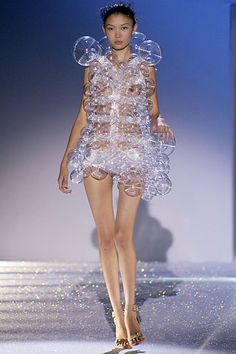 Chalayan - Spring 2007 Ready-to-Wear - Look 26 of 37