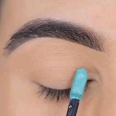 makeup, # make-up til karnevalet. Makeup Eye Looks, Eye Makeup Steps, Beautiful Eye Makeup, Skin Makeup, Eyeshadow Makeup, Eyeshadow Palette, Liquid Eyeshadow, Day Makeup, Blue Eye Makeup