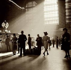 Grand Central Station, 1941, (nypubliclibrary)