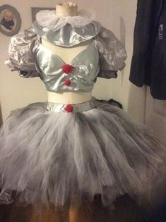 Excited to share this item from my shop: Halloween pennywise clown costume sz homemade costume Pennywise Halloween Costume, Halloween Clown, Sexy Halloween Costumes, Halloween Cosplay, Paper Halloween, Halloween Makeup, Clown Costume Women, Halloween Parties, Costume Ideas