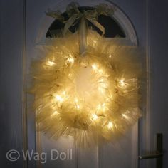 LED Light Up Twinkle Tulle Christmas Wreath! Would try this for year round party decor.hot pink for an theme party, red white & blue for patriotic celebrations, orange for Halloween, etc. Fun fu (Hobbies To Try Shape) Christmas Projects, Holiday Crafts, Christmas Bulbs, Christmas Crafts, Xmas, Christmas Ideas, Christmas Cooking, Christmas Things, Christmas Christmas