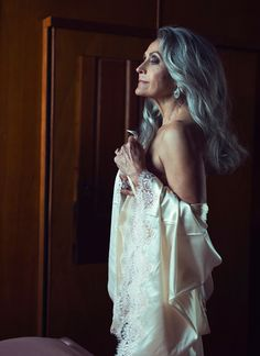 Hotel Maritime, Room Part 1 © Marc Lagrange. - Beyond Surface Long Gray Hair, Silver Grey Hair, Kylie Jenner, Kim Kardashian, Gray Hair Growing Out, Beautiful Old Woman, Beautiful Ladies, Medium Layered Hair, Model Face