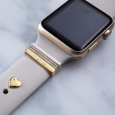 Now your Apple Watch can be as glamorous & unique as you. Transform your band into an elegant fashion statement with coordinated stacking rings and crystals. Army Watches, Cool Watches, Watches For Men, Wrist Watches, Cheap Watches, Apple Watches For Women, Fone Apple, Versa Versa, Fitbit Bands