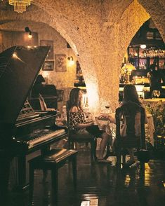 A nice relaxed evening by the piano #foodreview #foodforthought #goodeats #goodfood #foodgasam #sicily #italiancuisine #baliculinary #balieats #italianfoodbali #tablesituation #onthetable #foodphotography #foodshare #foodoftheday #feelandeat #WTFoodies #bali #balithisweek #theartofplating #islandlife #whatshappening #amazingbali #whattodoinbali #balilifestyle #indonesia #bestcontent #italianfood #restaurant