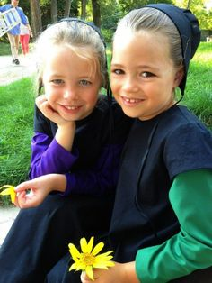 Two Amish girls dressed in their traditional Amish clothes. Description from pinterest.com. I searched for this on bing.com/images
