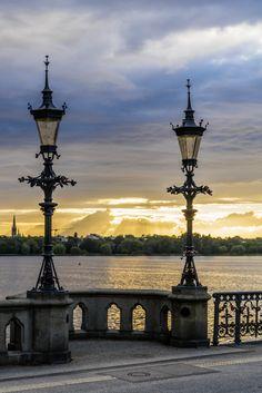 Sonnenuntergang an der Schwanenwikbrücke   Bildschönes Hamburg