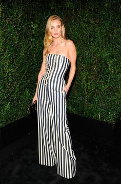 Rosie Huntington-Whiteley Cena pre-Oscares de Chanel