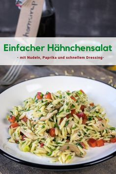 for a simple # chicken salad with Orzo # noodles, peppers, spring onions and parsley and a quick dressing with # maple syrup. Simple chicken salad with pasta Maltes Kitchen malteskitchen Rezepte von MaltesKitchen.de for a simple # c Orzo, Pasta Recipes, Crockpot Recipes, Salad Recipes, Dinner Recipes, Grilling Recipes, Squash And Onion Recipe, Chicken Salad, Pasta Salad
