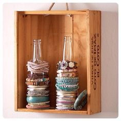 Glass bottles as bracelet storage - Top 58 Most Creative Home-Organizing Ideas and DIY Projects Jewellery Storage, Jewellery Display, Jewelry Organization, Organization Hacks, Organizing Ideas, Organising, Diy Jewelry Organizer, Jewellery Supplies, Jewellery Showroom