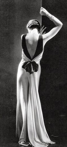 Toto Koopman - 1933 - Augusta Bernard Dress - Photo by George Hoyningen-Huene - @~ Mlle